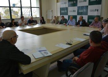 Reunião foi conduzida pelo presidente da expo-feira Josias Mascarello e pelo coordenador geral Marcio Ernani Sander, com a participação do vice-presidente Élio Cella, membros da CCO e das comissões setoriais, juntamente com o administrador do parque Wilson Lobo.