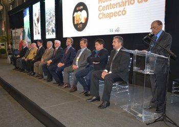 Dez ex-prefeitos foram homenageados