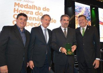 Elio Francisco Cella além de ex-prefeito de Chapecó assume hoje o cargo de vice-prefeito ao lado de Luciano Buligon