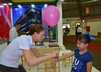 Os balões fizeram sucesso entre as crianças