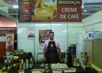 Café caramelo É a primeira empresa a lançar no mercado brasileiro o creme de café