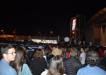 Dupla El Baile fez o público dançar na Arena de Shows
